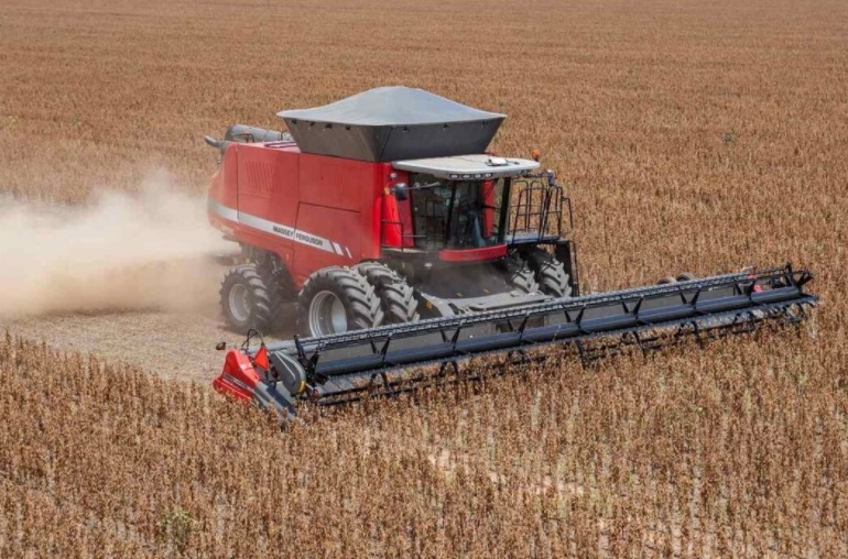 Investment in agricultural machinery continues, but credit is lacking